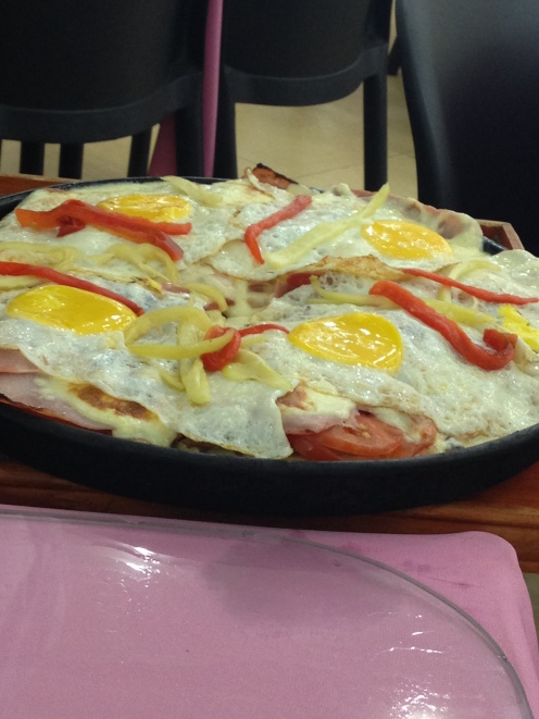 Resistencia - Argentina - pizza with fried eggs