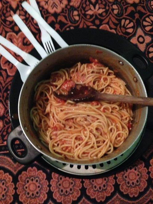 Jantar: Macarrão com molho de atum Dinner: Pasta with tuna sauce