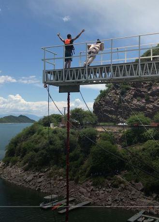 bungee jump na ponte Dique Cabral Corral